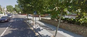 Un ciclista atropella un nen a la porta de l'escola i es dóna a la fuga