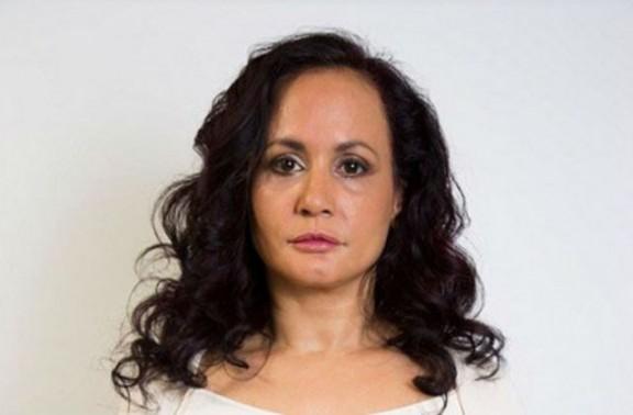 Una dona que fa 40 anys que no somriu! Vols saber per què?