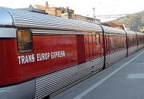Un Talgo sorprèn els usuaris del tren