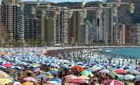 Vés a: El turista espanyol somia més en Benidorm que en Barcelona