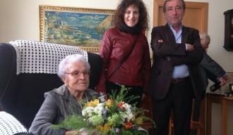 Maria Flotats rep la Medalla Centenària de la Generalitat