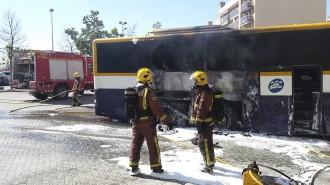 Vés a: Ensurt a Valls en cremar un autobús de la línia Tarragona-Igualada