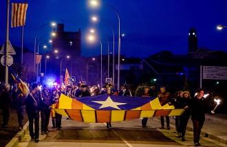 El Voltreganès recorda els màrtirs de la Gleva amb una marxa de torxes