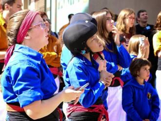 700 nens participen en el concurs de  la samarreta dels Castellers de Berga