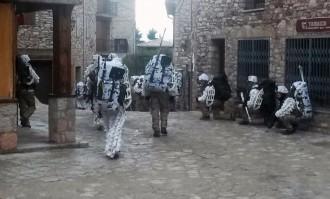 Més de 350 militars omplen Castellar de n'Hug durant tres dies