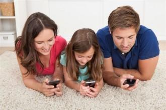 Com influeixen en els nens els grups de WhatsApp dels pares?