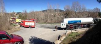 Accident entre un  turisme i un camió a l'alçada de Cardona