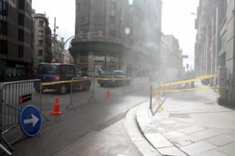 Vés a: L'incendi d'uns cables soterrats causa una aparatosa fumera a Via Laietana