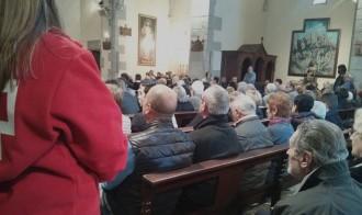 La parròquia de Palau es fa petita pel funeral de Laura Altimira Barri