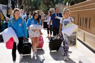 Vés a: Desembarca al SalouFest el primer gruix de 4.600 estudiants britànics