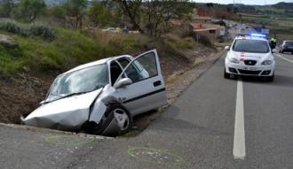 Un mort i dos ferits greus a un accident de trànsit a la N-240