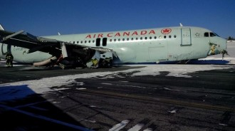 Vés a: L'aterratge forçós d'un A320 al Canadà se salda amb 18 ferits lleus