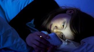 Els efectes negatius de mirar el mòbil abans d'anar a dormir