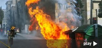 Dos joves cremen un contenidor al carrer Sant Joan de Reus