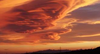Les espectaculars imatges d'un núvol lenticular al Camp de Tarragona