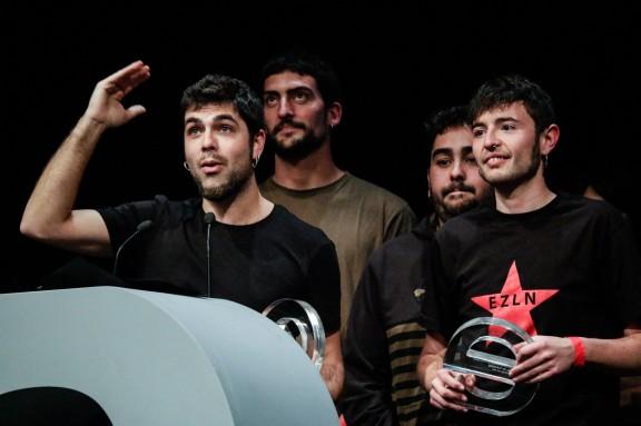 Crítica i públic coronen Txarango als Premis Enderrock