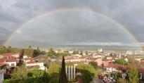 Vés a: Espectaculars imatges de l'arc de sant Martí a diversos punts de Catalunya