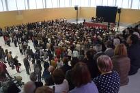 Prop de 800 persones homenatgen les tres olotines víctimes de l'accident aeri