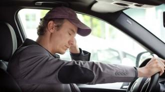 Com identificar els signes de cansament mentre conduïm