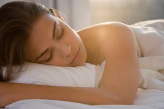 Respirar per la boca mentre dorms augmenta el risc de tenir càries, segons un estudi