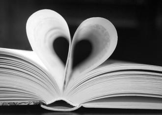 Vés a: Els 10 poemes d'amor en català per aquest Sant Jordi