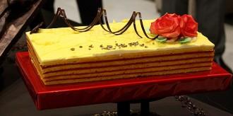 Els pastissers s'inventen ara «el pastís de Sant Jordi»