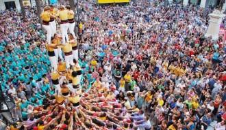 Sant Jordi vilanoví amb les tres grans colles vermelles
