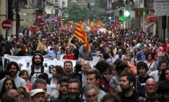 Milers de persones defensen els drets nacionals del País Valencià