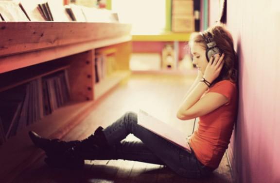 11 Fases que experimentes quan et fas fan d'un cantant o grup