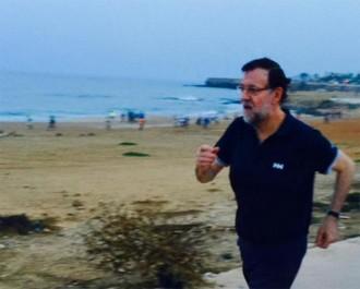 Rajoy revoluciona Twitter amb una imatge fent fúting a Dakar