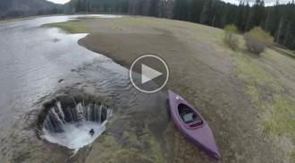 El misteriós forat que deixa sense aigua un llac dels Estats Units