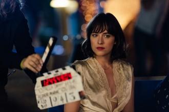 Vés a: Dakota Jonhson protagonitza el nou anunci d'Estrella Damm