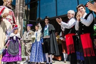 Casament a Pagès a Ripoll: sol i felicitat