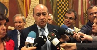 Fernández Díaz creu que els alcaldes que no treuen les estelades no poden garantir una bona governabilitat