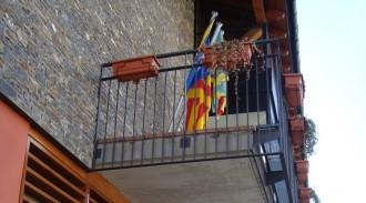 Esterri d'Àneu retira l'estelada del balcó de l'Ajuntament