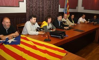 Els Mossos retiren l'estelada de Ripoll després que CiU i ERC es neguessin a fer-ho
