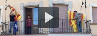 Els Mossos retiren les estelades de Navàs per ordre de la Junta Electoral