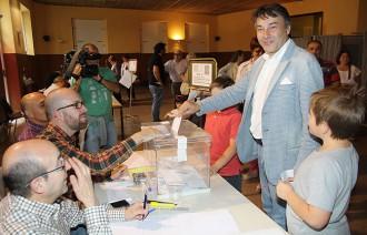 Tots els candidats de Ripoll voten abans del migdia
