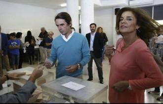 Aznar va a votar lluint estil Pablo Iglesias