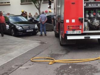 Espectacular accident de trànsit al carrer Dr Fleming de Sant Celoni
