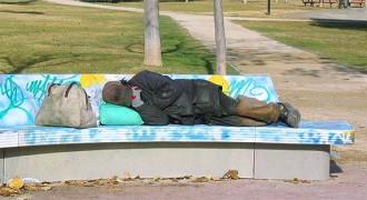 Vés a: Comptabilitzen unes 900 persones dormint al carrer a Barcelona
