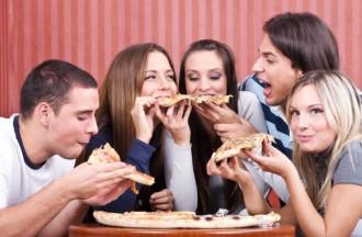 Aprofita els vals del Carnet Jove per anar a dinar o sopar amb els teus amics! A què estàs esperant?