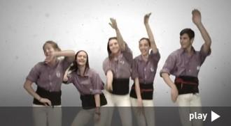 El videoclip de «Llença't al 8», dels Castellers de Cornellà