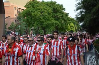 FOTOS: Els seguidors de l'Athletic de Bilbao envaeixen Barcelona