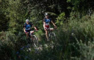 La Cabrerès BTT torna a omplir el Collsacabra amb 3.000 ciclistes