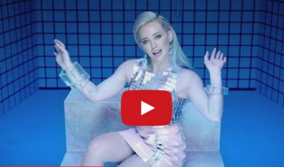 Hilary Duff estrena un videoclip carregat de polèmica! L'has vist?