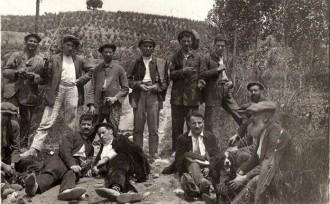 Excursió de Torrella, Prat, Padrós i altres a Can Missert (1913) / Foto: Rafel Comes