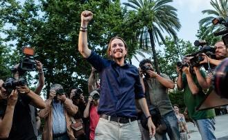 Iglesias: «La burgesia de Mas besava el terra que trepitjaven els franquistes»