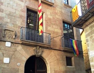 El consistori solsoní se suma al Dia internacional de l'orgull gai i lèsbic amb la bandera multicolor