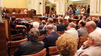 Vés a: Poblet, president de la Diputació de Tarragona amb els vots de PSC i PP